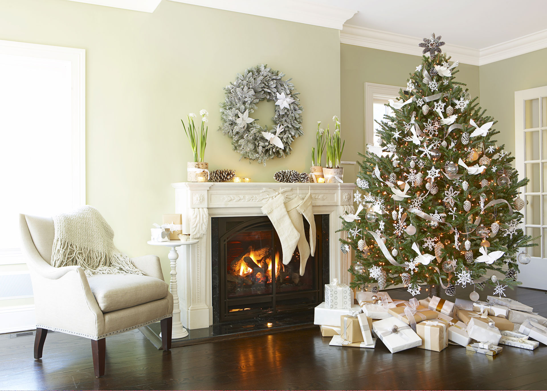 house easy ways to make your home smell like christmas - What Christmas Tree Smells The Best